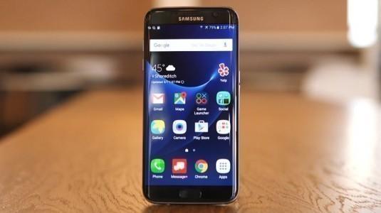Yılın en iyi ekranı ödülü, Galaxy S7 Edge'nin oldu
