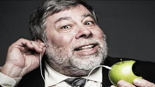 Wozniak, Teknolojideki En Büyük Şeyin Apple'dan değil Tesla'dan Geleceğini Söyledi
