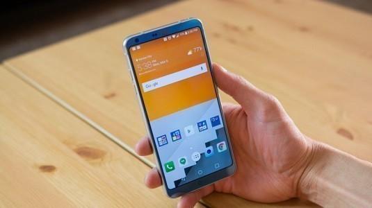 LG V30 Modeli Önceki Modellerden Farklı Olarak İkinci Ekrana Sahip Olmayabilir
