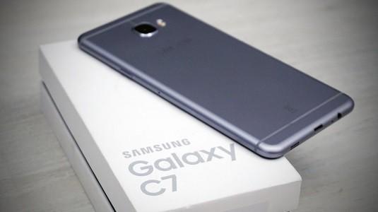 Samsung Galaxy C7 2017 Çift Arka Kamera İle Beraber Geliyor