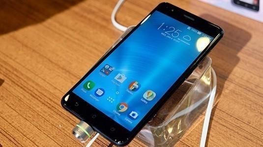 Ortaya Çıkan Yeni Raporlara Göre Asus ZenFone 4 Modeli 16 Ağustosta Tanıtılacak