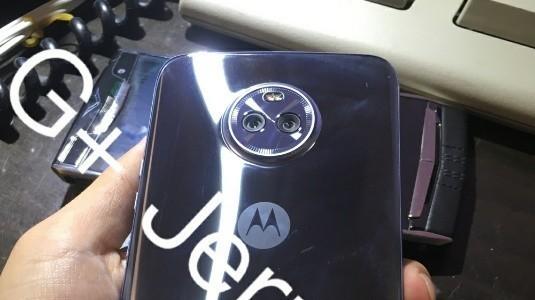 Moto X4'ün Yeni Görüntüleri Sızdırıldı
