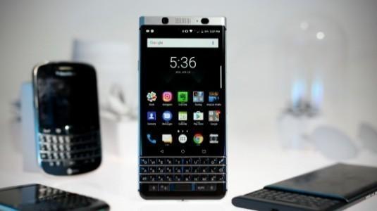 Su Geçirmez BlackBerry Telefon, iPhone ve Galaxy Kullanıcılarını Hedef Alarak Ekim Ayında Geliyor