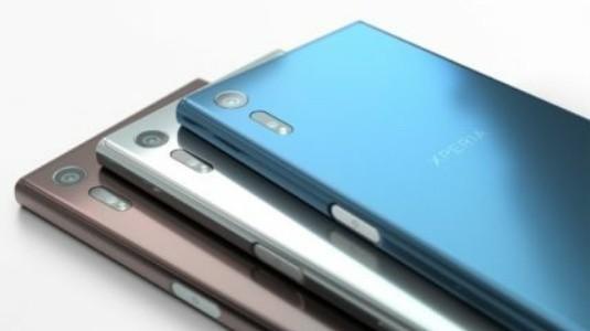 Sony Xperia XZ1 Canlı Görseli, Yanında Farklı Bir Modelle Sızdırıldı