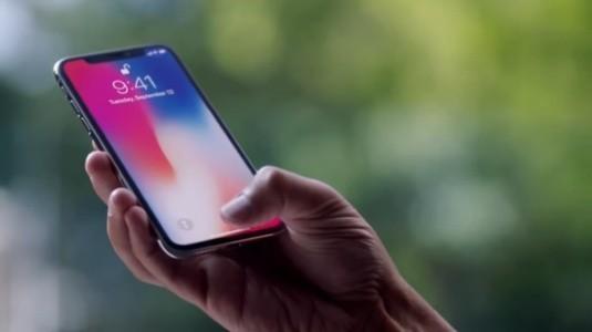 İphone X ve iPhone 8 Tanıtım Videolarını İzleyin