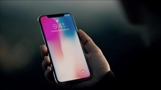 iPhone X geleceğin telefonu olamaz