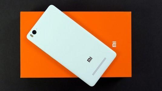 Xiaomi 48 saatte, Hindistan'da 1 milyon adet telefon sattı