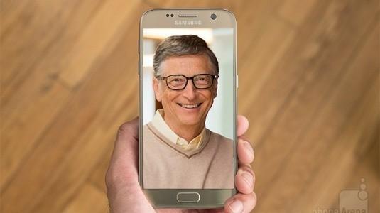 Bill Gates de Android Akıllı Telefon Kullanıyor