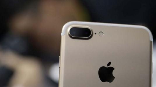 Apple yeni OLED ekranlı iPhone'lar üzerinde çalışıyor
