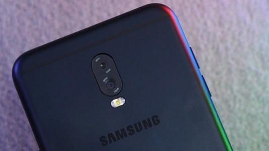 Samsung Galaxy C8 Modelinde Çift Arka Kamera ve Parmak İzi Tarayıcısı Bulunacak