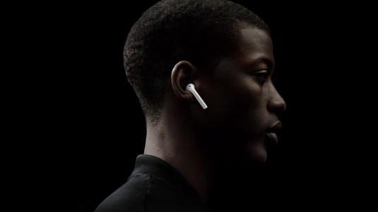 AirPods kablosuz kulaklık pazarında lider koltuğuna oturdu