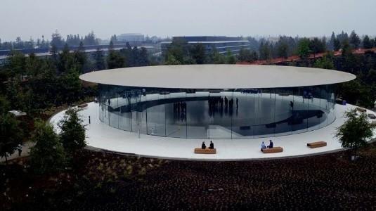 İphone 8'in Tanıtılacağı Steve Jobs Theatre, Drone'la Havadan Görüntülendi