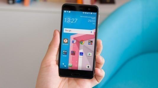 HTC U Play satışları Türkiye'de başladı