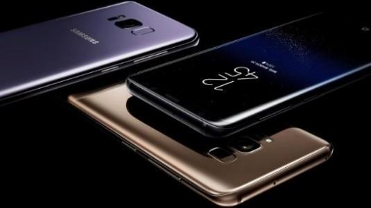 Samsung, CES 2018'de Kapalı Kapılar Ardında Katlanabilir Telefonlarını Sergiledi