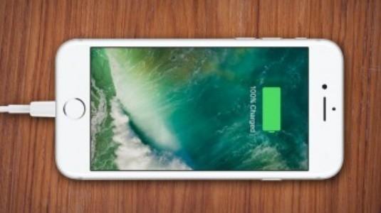 iOS 11.3, Bataryaya İlgili İşlemci Yavaşlamayı Devre Dışı Bırakmaya izin Verecek