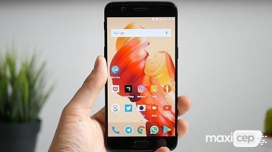 OnePlus 5 OxygenOS 5.0.2 Güncellemesi Dağıtılmaya Başladı