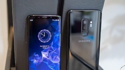 Samsung Ekrana Gömülü Kamera Üzerinde Çalışıyor