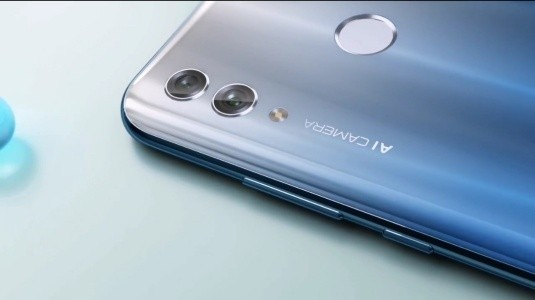 Honor 10 Lite, Kirin 710 Yonga Seti ve 6GB RAM'le Duyuruldu