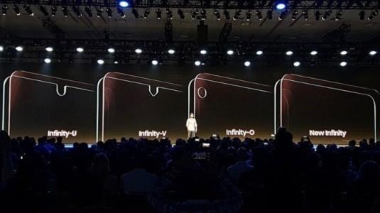 Galaxy A8s'in Infinity-O Ekran Camı ve Selfie Kamera Deliğine Daha Yakından Bakın