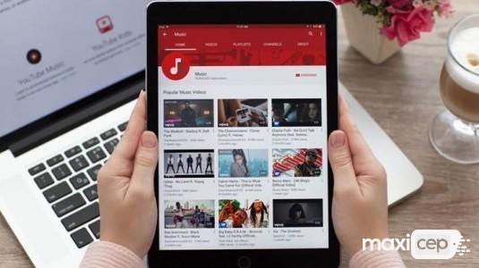 Arka planda YouTube'den müzik çalma nasıl yapılır?