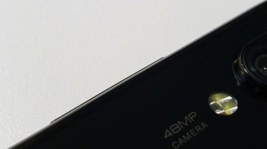 Xiaomi'nin 48 MP Telefonu, Redmi Serisi Ekran Kamerasına Sahip Bir Cihaz Olabilir