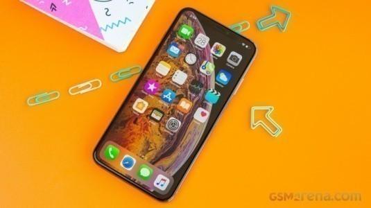 Samsung, 2019 iPhone XS Max için Daha Ucuz OLED Paneller Tedarik Edecek