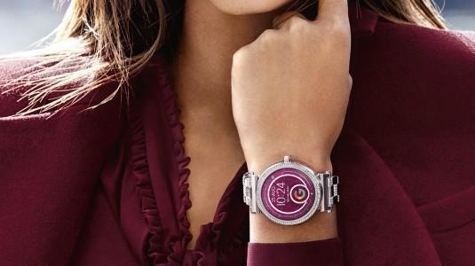 Michael Kors'dan, şık tasarımlı akıllı saat modeli