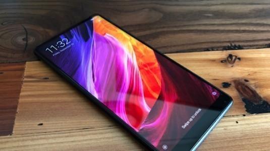 Sızdırılan Xiaomi Mi Mix 2S Görseli, Ekran Üzeri Parmak İzi Tarayıcıyı Gösteriyor