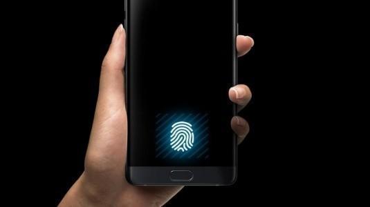 Huawei, Katlanabilir Ekranlı Telefon Patenti Aldı