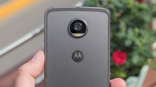 Moto Z3 Play Özellikleri FCC'de Doğrulandı