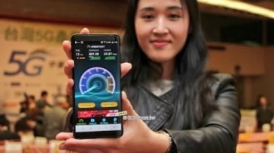 HTC U12, Çift Kamera ve 256GB Depolama Alanı ile Nisan Ayında Geliyor