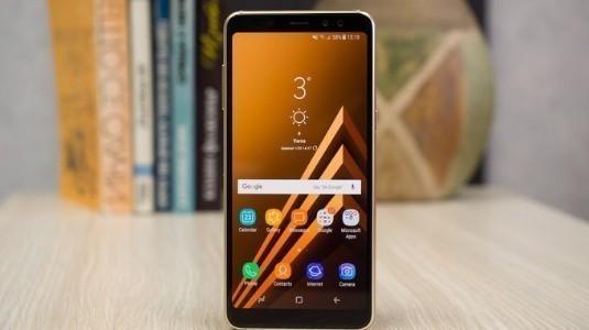 Samsung Galaxy A8 (2018) ve Galaxy J7 Prime'a Yeni Özellikler Geldi