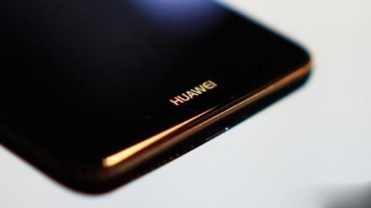 Huawei katlanabilir telefonunu yıl sonunda tanıtacak