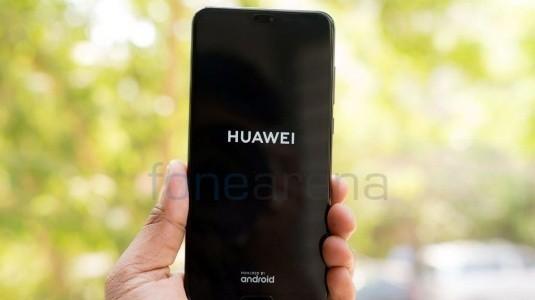 Huawei, Dünyanın İlk Katlanabilir Akıllı Telefonunu Kasım Ayında Açıklayacak