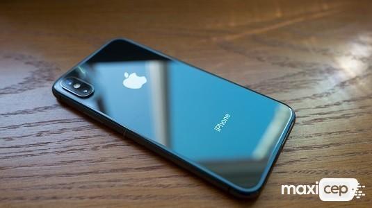 Kavisli Ekrana Sahip iPhone Modelleri 2-3 Yıl İçinde Piyasaya Sürülebilir