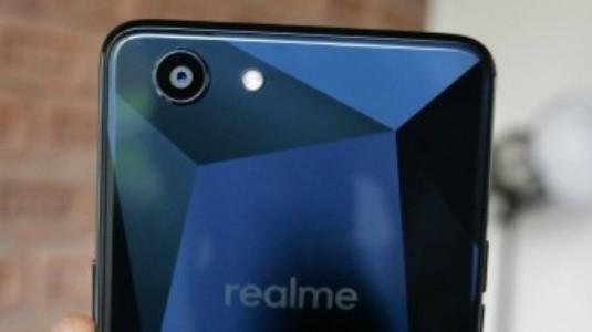 Oppo'nun Realme 1 Akıllı Telefonu Fotoğrafları ile Ortaya Çıktı