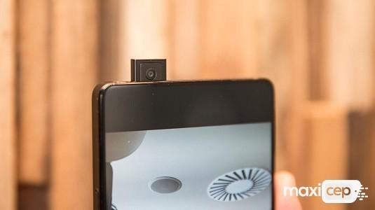 Tamamen Çerçevesiz Ekranlı Vivo Apex Modeli Yeniden Görüntülendi