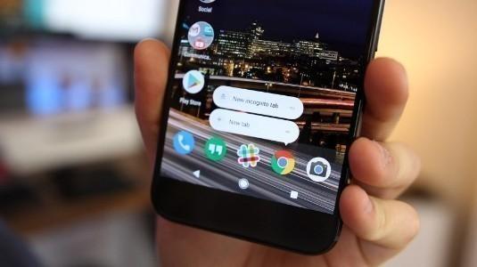 Android için Chrome 67, Yatay Sekme Değiştirme, AR / VR API'leri ve Daha Fazlasını Getiriyor