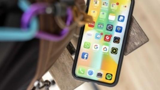 Apple, 45 Milyon 6.5 inç OLED iPhone Satışı Bekliyor