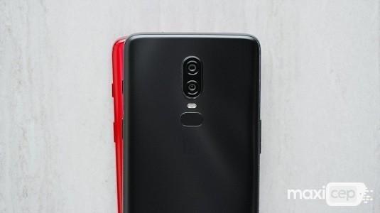 OnePlus 6'nın Kırmızı Renkli Yeni Varyantı Yakında Satışa Sunulacak