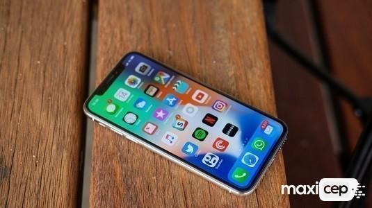 Apple iPhone 9 Çentikli Tasarımıyla Kılıf İçerisinde Göründü