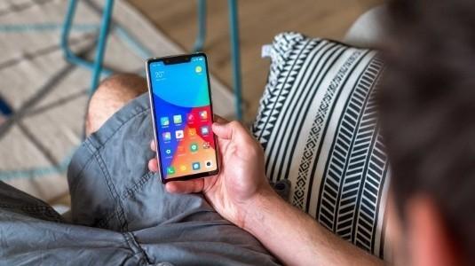 Xiaomi Mi 8 SE'nin 128GB'lık Versiyonu Geliyor