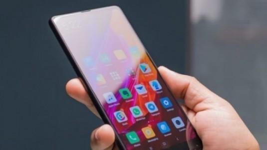Xiaomi Mi Mix 3 çalışırken görüntülendi
