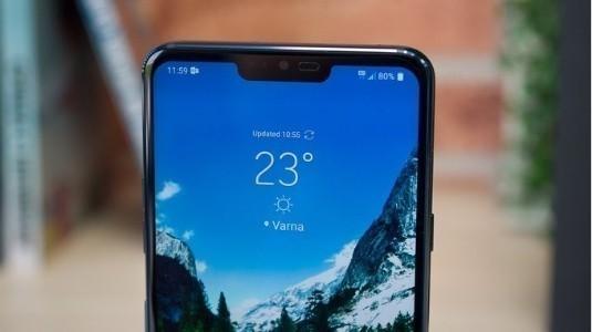 LG V40 ThinQ Çentikli POLED Ekrana ve Google Asistan Tuşuna Sahip Olabilir