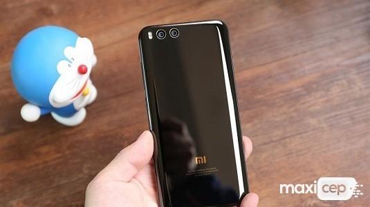 Xiaomi Mi 6 MIUI 10 Kararlı Sürüm Güncellemesini Alan İlk Cihaz Oldu