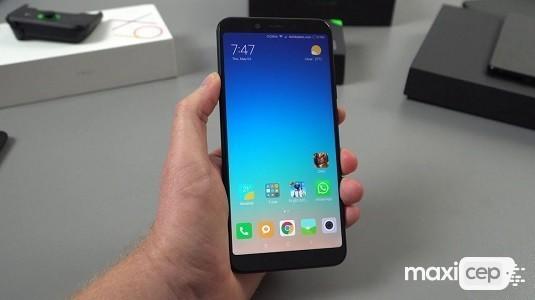 Xiaomi Mi 8X Ekrana Gömülü Parmak İzi İle Birlikte Geliyor