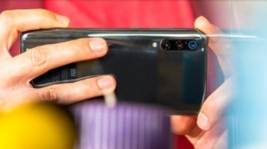 Xiaomi Mi 9 için İlk OTA Güncellemesi Yayınlandı
