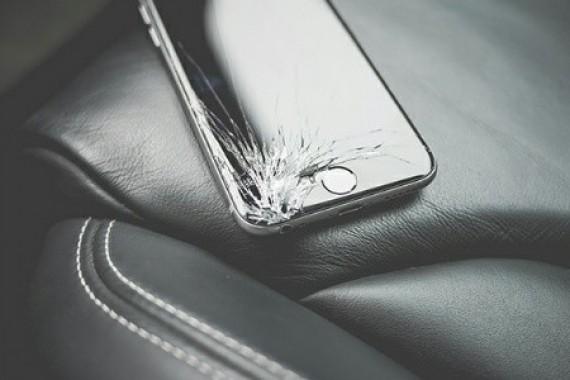 İphone 8'in Arka Camı, Ekranından Pahalı