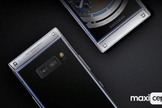 Kapaklı Tasarıma Sahip Samsung W2019 Üst Düzey Özelliklerle Tanıtıldı