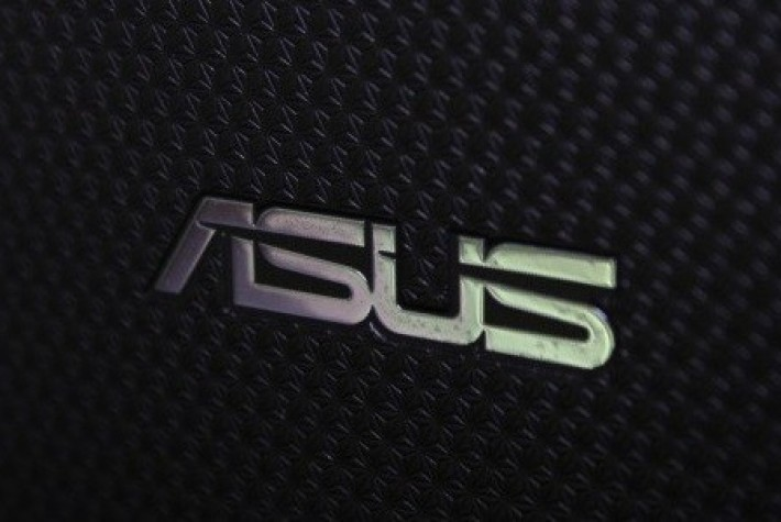 Asus Zenfone 3 Deluxe ve Laser ABD'de satışta